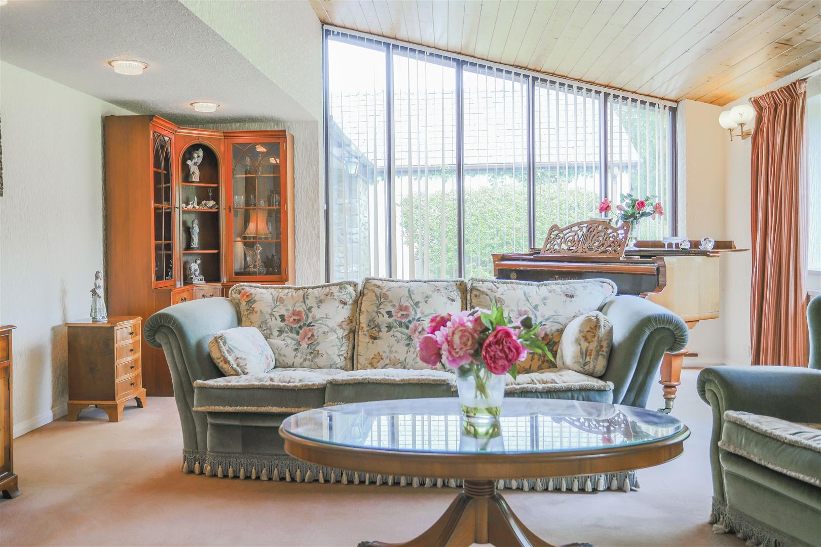 5 Bedroom Farmhouse For Sale - 15.JPG